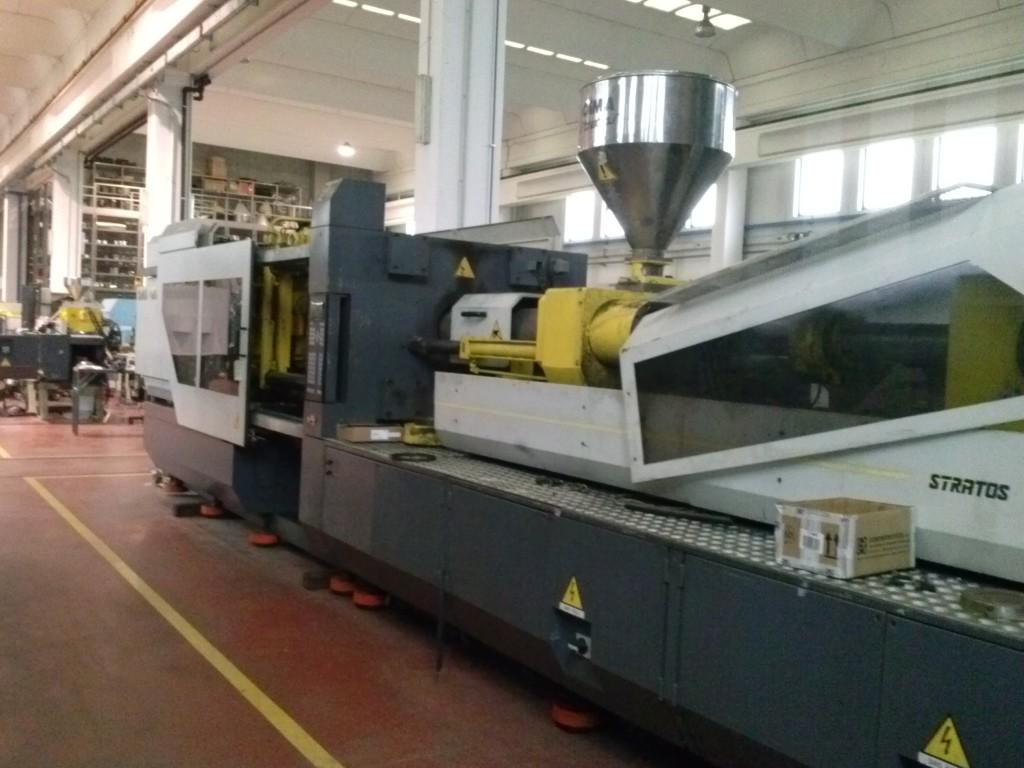 Vendita presse stampaggio ad iniezione eurotech for Vendita presse usate